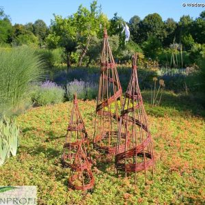 Rankpyramide, Rankhilfe aus Weide